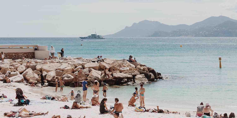 Background image of Abidjan