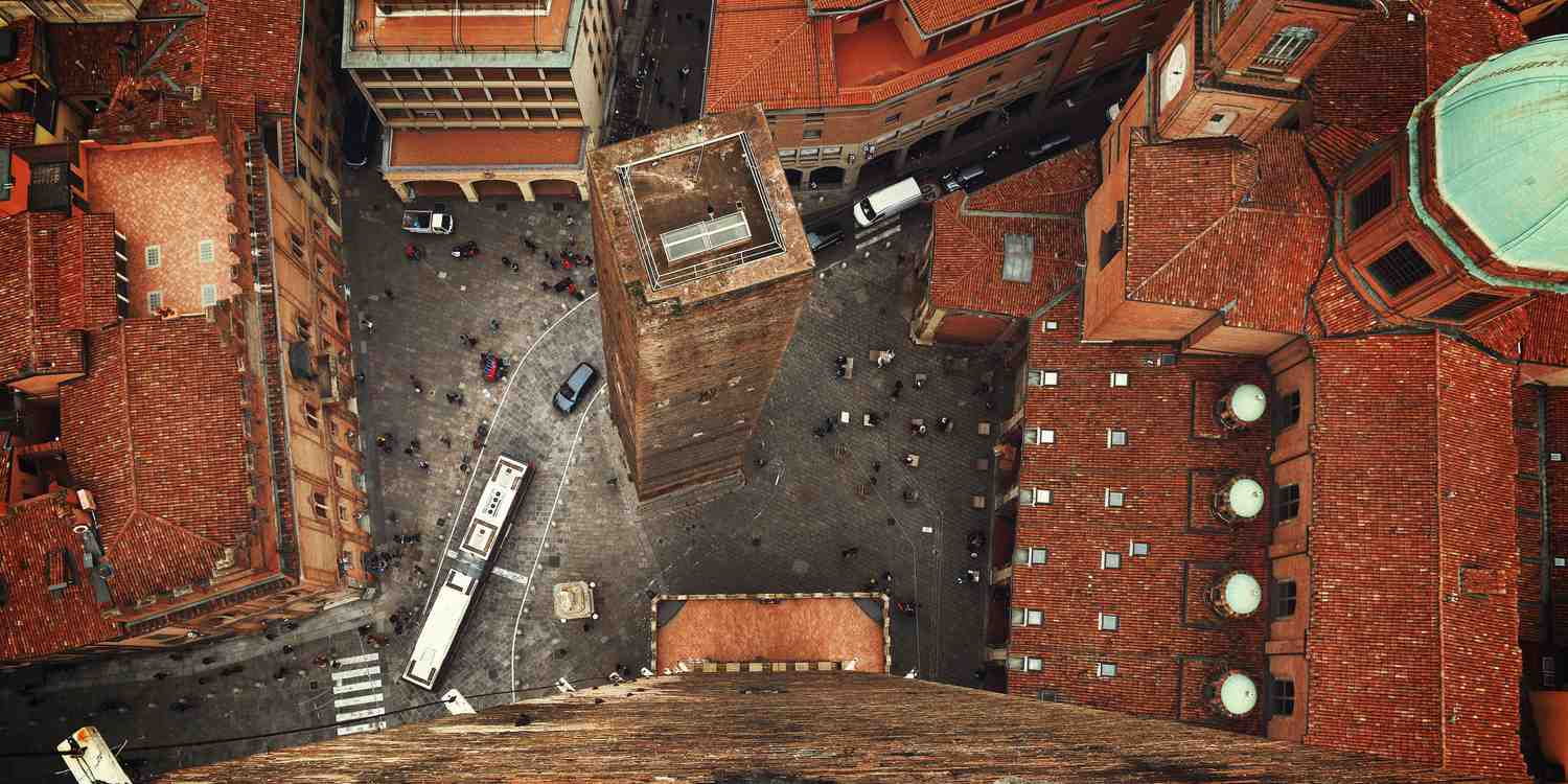 Background image of Bologna