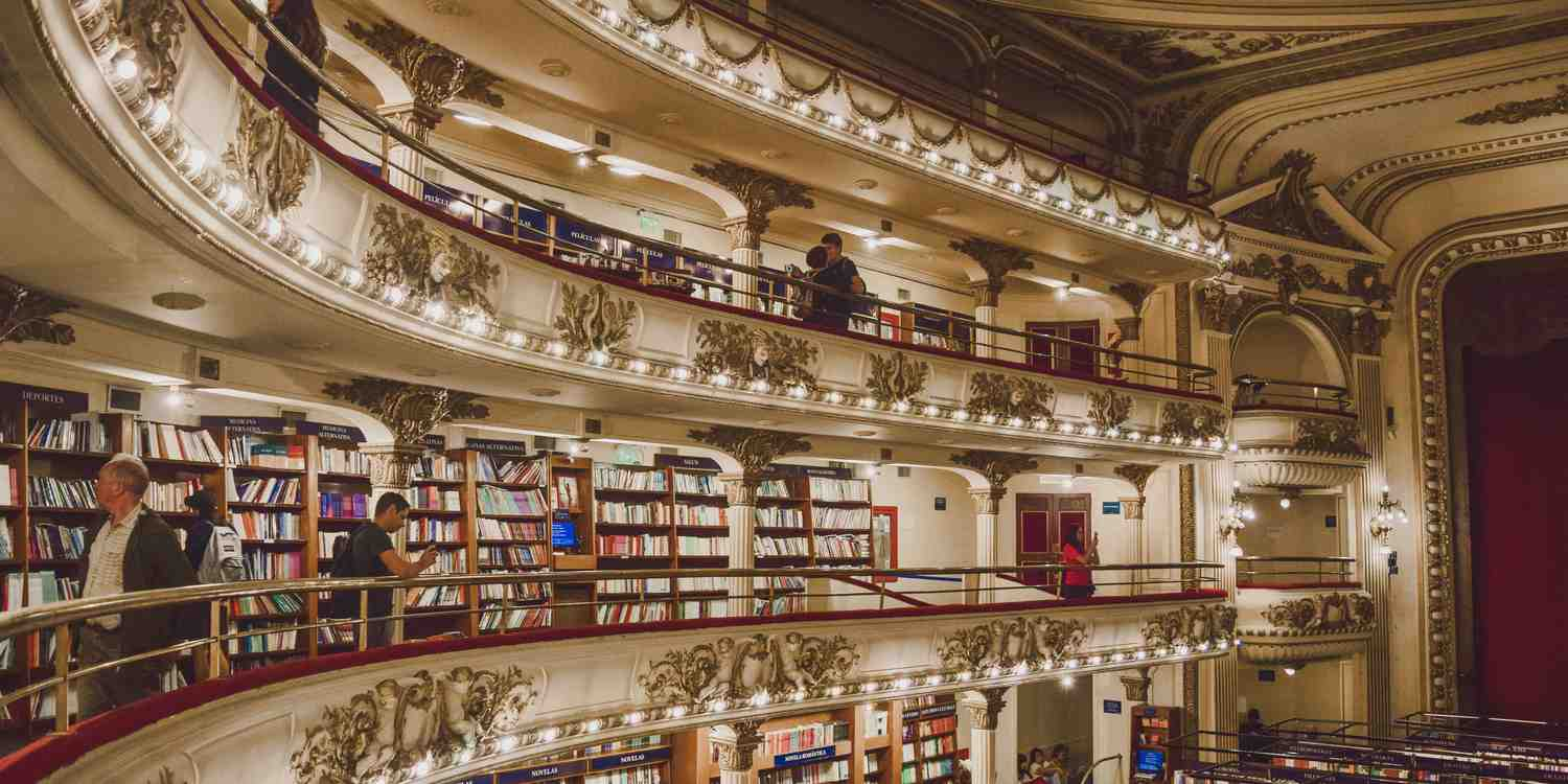 Background image of Buenos Aires