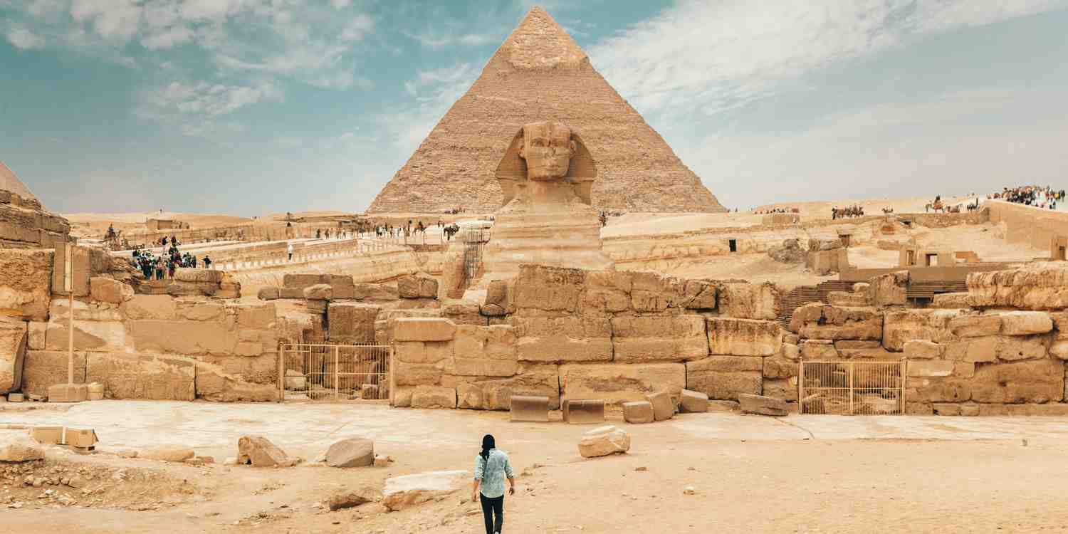 Background image of Cairo