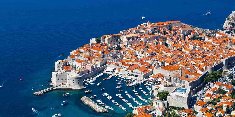 Background image of Dubrovnik