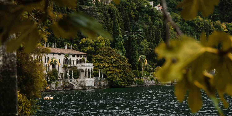 Background image of Lake Como
