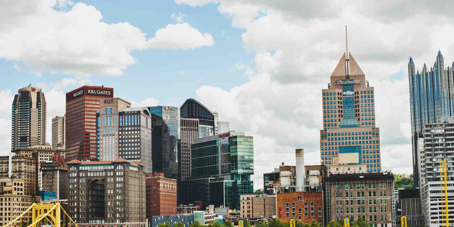 Background image of Pittsburgh