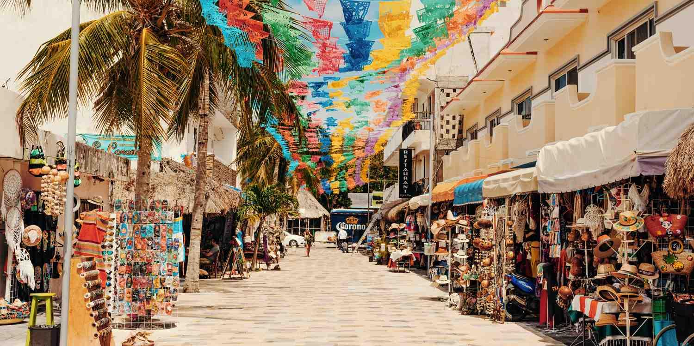 Background image of Playa del Carmen