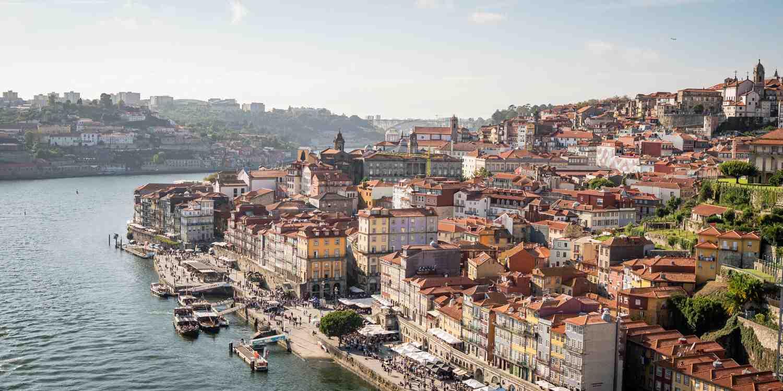 Background image of Porto