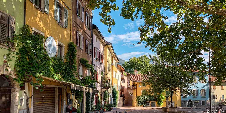 Background image of Trento