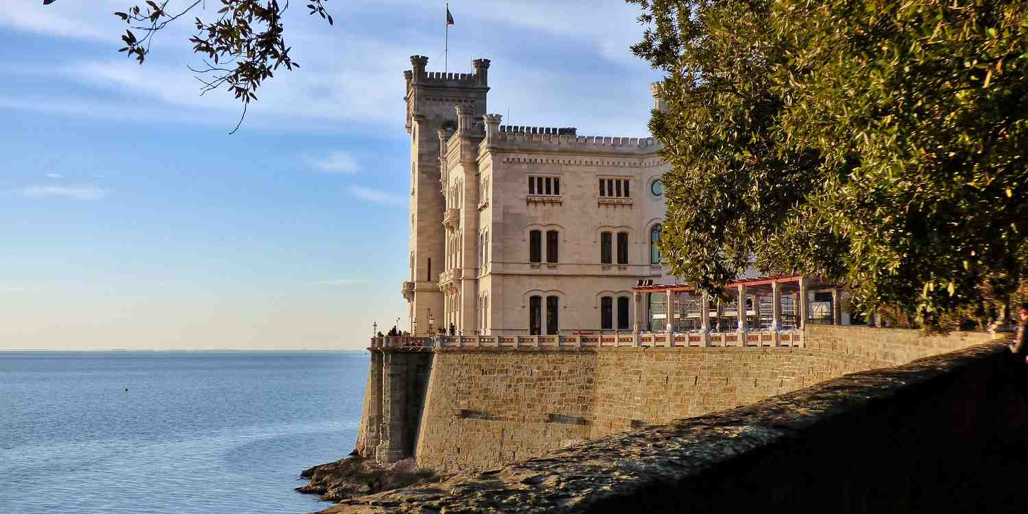 Background image of Trieste