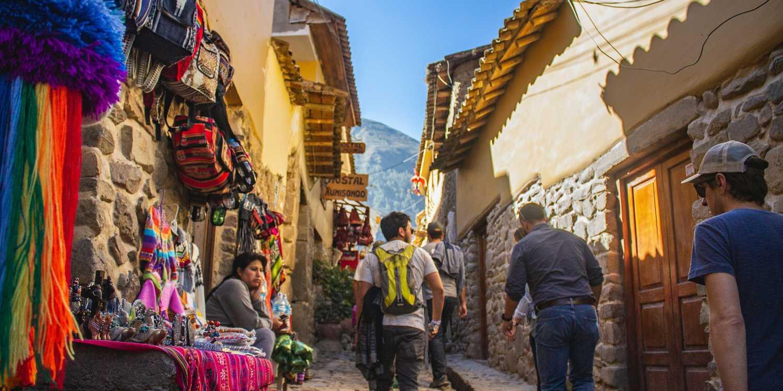 Background image of Cusco