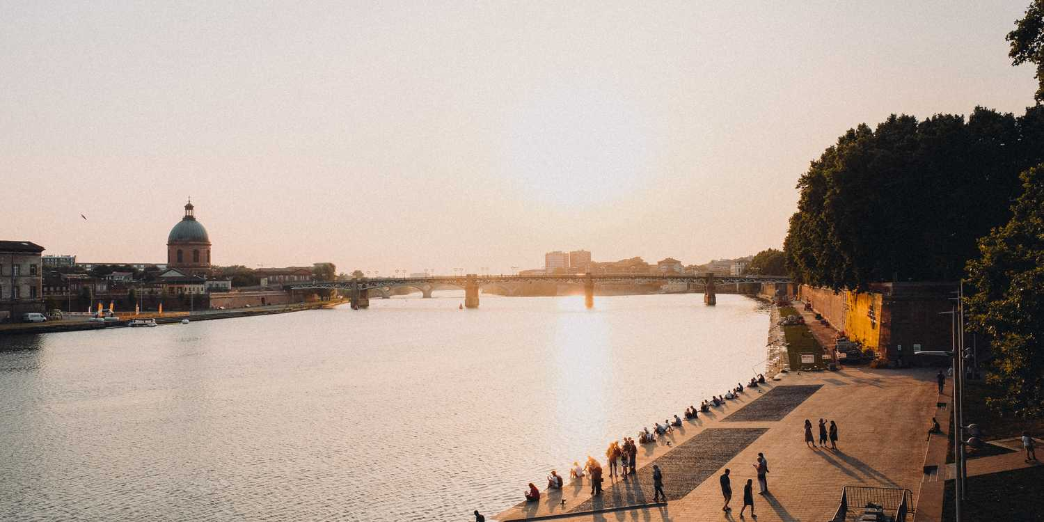 Background image of Toulouse